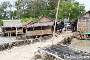 Jalan yang menghubungkan Pulau Cangkir dan Tangerang